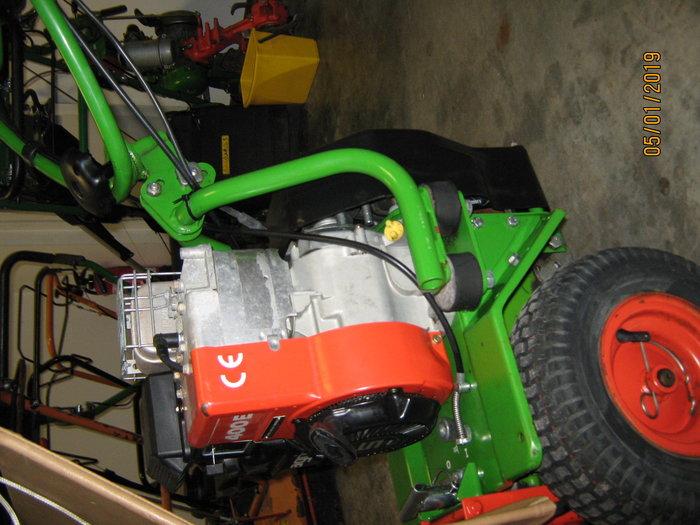 3,7kW (5 PS) B&S Viertaktmotor 1 Gang Vorwärts, 1 Gang Rückwärts