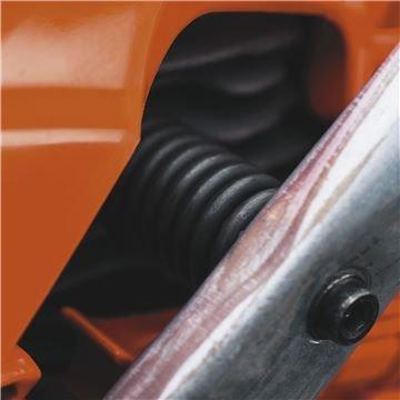 höchste Perfektion auch im Detail Top Design für elegante Bedienung und Wartung Die komplette Motorhaube kann jederzeit simpel, schnell und werkzeuglos abgenommen und wieder geschlossen werden