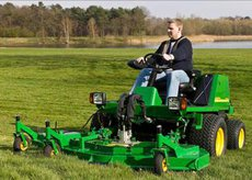 Frontmäher: John Deere - 1505 (Grundmaschine, Diesel, Allrad)