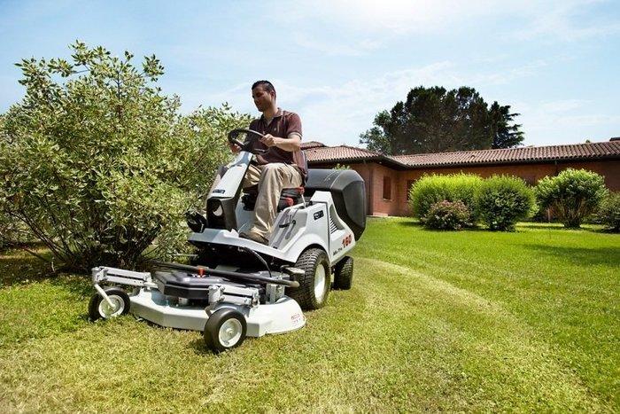 Gebrauchte                                          Gartentraktoren:                     Grillo B.C.S MA.TRA. - 160 ( bgl. Grillo FD 280 ) Profi Frontmäher der EXTRAKLASSE (gebraucht)