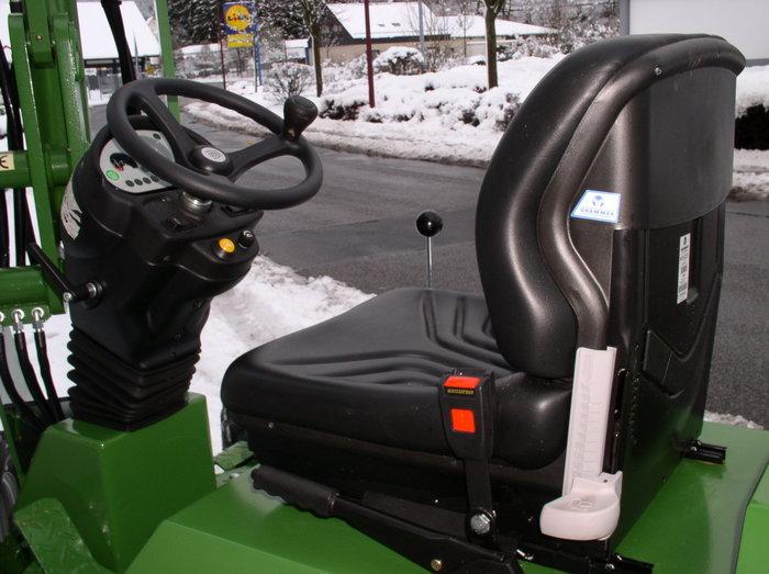 Sitz und verstellbare Lenksäule