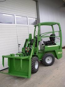 Hoftraktoren: UNI - Hofschlepper - 166 DY 19,1KW/26PS