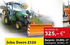 Kompakttraktoren: John Deere - 2320 Winterdienst
