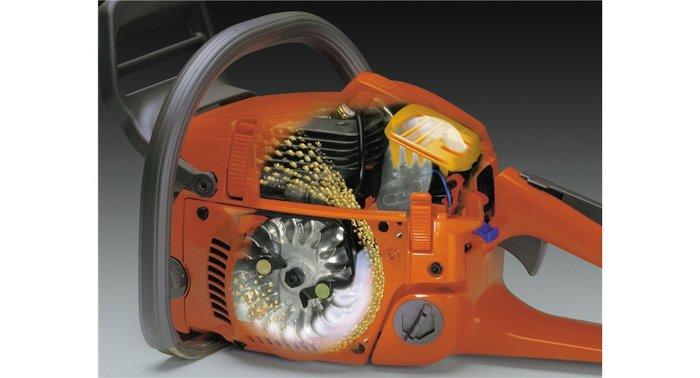 Air Injection™ Das zentrifugale Luftreinigungssystem sorgt für geringeren Verschleiß und ermöglicht längere Einsätze zwischen den einzelnen Filterreinigungen.