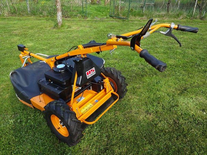 2-Gang-Schaltung + enorm traktionsstarke AS-Antriebsräder + Hinterradbremsen + drehbares und schnell-höhenverstellbares Lenk-Vorderrad für leichtes manövrieren der Maschine