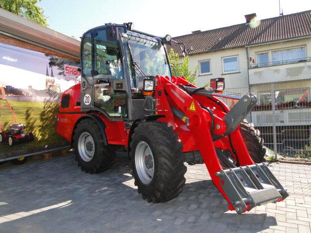Radlader:                     Weidemann - 3070 CX 80