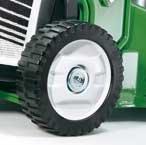Räder SABO Räder Große, breite Räder schonen den Rasen und sorgen für starke Traktion.