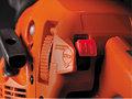 Einfach zu Starten Automatischer Start-/Stoppschalter, SmartStart und Kraftstoffpumpe erleichtern das Starten der Säge.