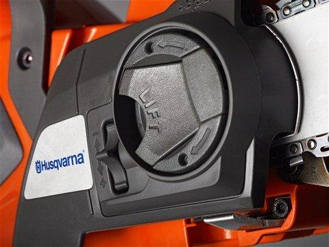 Werkzeugloser Kettenspanner Ermöglicht schnelle und einfache Montage von Schiene und Kette ohne Werkzeug.