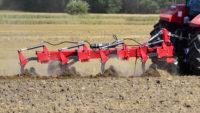 Pflüge: Metal-Fach - 5-furchiger Drehpflug (4+1) mit hydraulischer Non-Stop-Schutzvorrichtung U061/1