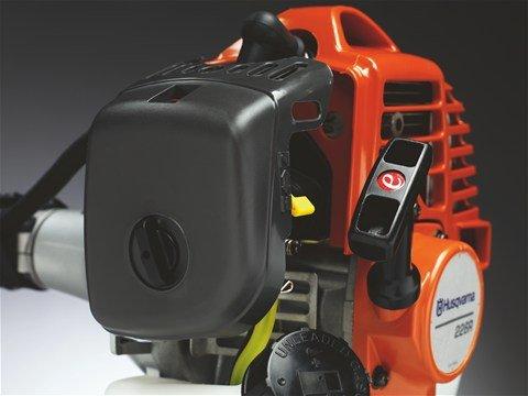 Der effiziente Luftfilter hilft Servicekosten zu minimieren und reduziert den Motorenverschleiß.