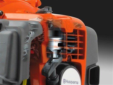 Drehmomentstarker X-Torq® Hochleistungs-Motor mit exzellenter Eignung für Freischneider -   Das X-Torq® Motorendesign reduziert schädliche Abgasemissionen um bis zu 75% und den Kraftstoffverbrauch um bis zu 20%.