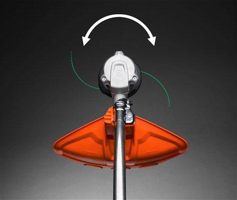 Rotation in beide Richtungen Die Drehrichtung des Trimmerkopfs kann individuell bestimmt werden, so dass kein Gras auf Gehwege geworfen kann.