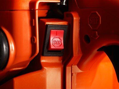 Automatischer Start-/Stoppschalter  Der automatische Start-/Stoppschalter springt automatisch wieder auf ON zurück und ermöglicht so problemloses Starten.