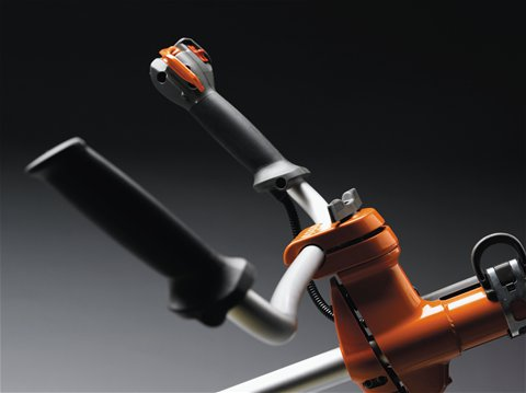 Ergonomischer, verstellbarer Zweihandgriff für hervorragenden Komfort.