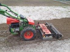 Kreiselegge mit 75 cm Arbeitsbreite, Ideal zur Vorbereitung Rasenneuanlage