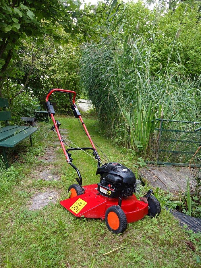 Gebrauchte                                          Gartentechnik:                     Solo - 554 Alu Profi Seitenauswurf-Rasenmäher 4PS 45cm (gebraucht)