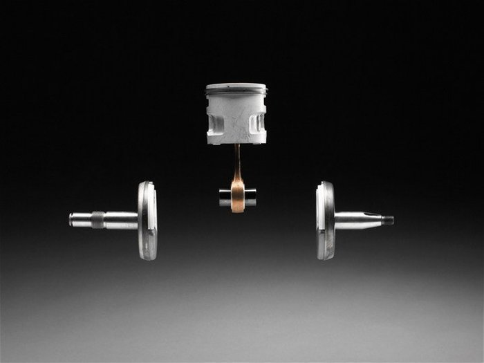 Einstellbare Ölpumpe: Die einstellbare Ölpumpe erlaubt es Ihnen die Kettenschmierung Ihren spezifischen Anforderungen anzupassen.