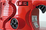 Arbeitsergonomisch sichere Bedienungselemente. Werkzeuglose Tankverschlüsse