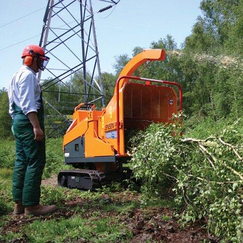 Holzhacker:                     Jensen - A231 Holzhacker Raupenfahrgestell