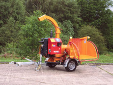 Holzhacker: Jensen - A530 L Holzhacker auf Fahrgestell