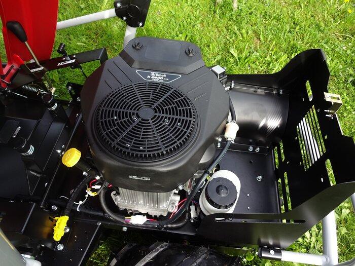 Hochleistungs-Industrielmotoren wie die enorm hochwertigen, belastbaren und drehmomentstarken Emak PRO 2-Zylinder OHV Motoren sind heute wirklich nur noch den echten Profimaschinen vorbehalten ( die meisten vergleichbaren Anbieter haben nur noch billiger gestrickte, nicht wirklich professionelle Motoren )