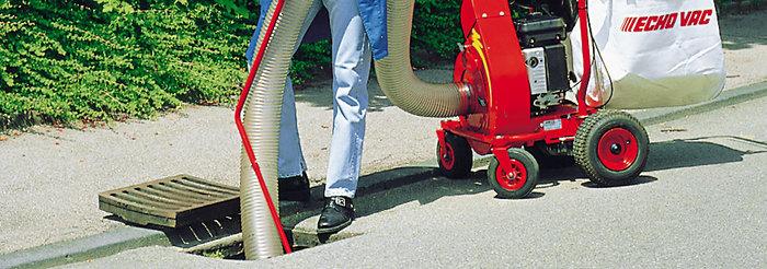 drei Meter Saugschlauch -  Für schwer zugängliche Stellen ist der drei Meter lange Saugschlauch mit 14 Zentimetern Durchmesser ideal. Optional um weitere drei Meter verlängerbar.