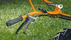 Hinterradbremse  Der Hinterradantrieb sorgt für optimalen Vortrieb am Hang und auf der Ebene.