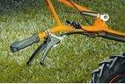 Verstellbarer Bedienholm  Durch den werkzeuglosen, höhen- und seitenverstellbaren Holm passt sich die Maschine an jeden Bediener optimal an.