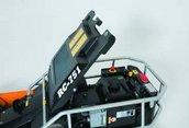 Motorhaube  Servicefreundliche Motorabdeckung und Schutzbügel für Motor und Elektrik.