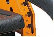 Schnitthöhe  Vierstufige, zentrale Einhebel-Schnitthöhenjustierung mit selbstauslösendem Messerstopp in Transportstellung.
