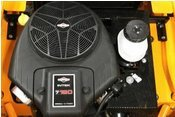 Hangtauglicher Motor  Extra Öl- und Benzinpumpe, Öldruckschalter und Kühl-Luft-System schützt das Aggregat auch im harten Einsatz.
