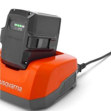 Akkuladegerät QC 120 Husqvarna Akkuladegeräte für Li-ion sind für eine schnelle Akkuladung.