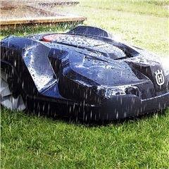 Wetterfest Der Automower® kann die ganze Zeit über draußen bleiben - unabhängig von den vorherrschenden Wetterbedingungen.