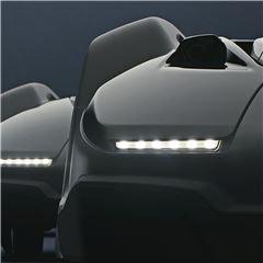 LED Scheinwerfer Energieeffiziente LED-Scheinwerfer für bessere Sichtbarkeit und Kontrolle auch im Dunkeln. Die Lichter beginnen auch zu blinken, wenn eine Fehlfunktion auftritt.