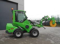 Gebrauchte  Kompakttraktoren: Avant Tecno - Avant 745 Vorführmaschine (gebraucht)