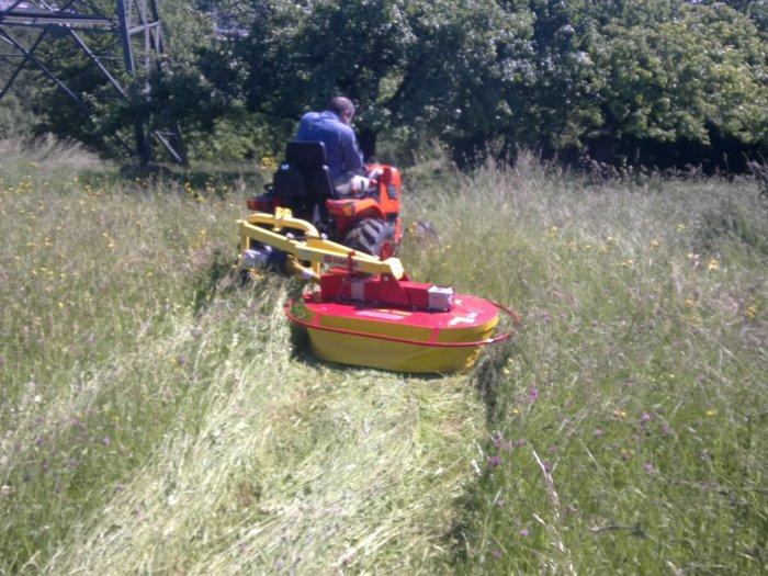 Ideal zur Wiesenpflege, ob mit Mulchgerät oder mit Kreiselmähwerk zur  Futtergewinnung