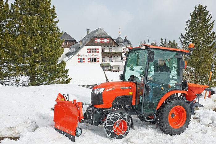 Winterdienst:                     Kubota - B3150H CAB