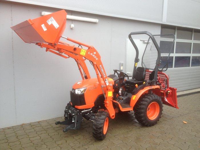 Allradtraktoren:                     Kubota - B3150H ROPS