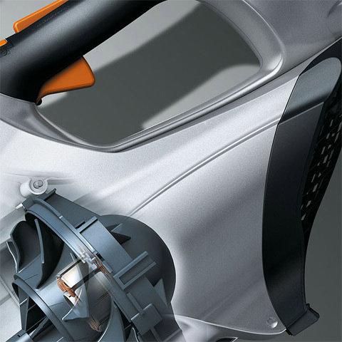 EC-Motor  Elektronisch geregelter STIHL Elektromotor (EC). Der STIHL Elektromotor (EC) arbeitet ohne Kohlebürsten, hat praktisch keinen mechanischen Verschleiß und überzeugt mit einem Wirkungsgrad, der weit über den von herkömmlichen Elektromotoren hinausgeht. Somit wird die Akku-Energie bestmöglich in Leistung umgesetzt.