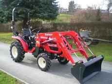 Traktoren: Branson Tractors - BRANSON 2200 mit Frontlader
