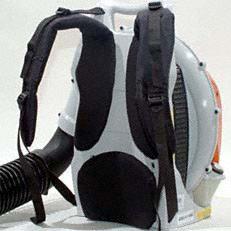 Komfortables Tragesystem: Mit Höhen- und Neigungsverstellung sowie atmungsaktiver Rückenpolsterung für ermüdungsarmes Arbeiten auch bei längeren Einsätzen.