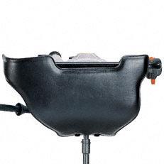 Großflächiges Anlagepolster: Das großflächige Anlagepolster liegt während des Bohrvorgangs komfortbal am Körper bzw. Bein des Bedieners an. Dadurch lässt sich das Bohrgerät ruhig und exakt führen.