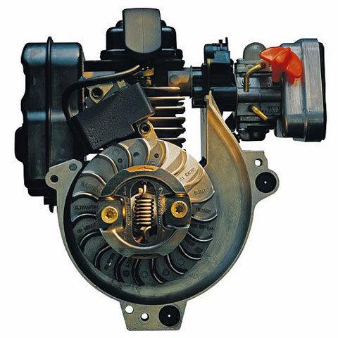 STIHL 4-MIX®-Motor  Der 1,4 kW starke STIHL 4-MIX®-Motor kombiniert die Vorteile von Zweitakt- und Viertaktmotor – er ist sowohl sparsam und laufruhig als auch durchzugsstark und kraftvoll. Er produziert weniger Abgase und braucht keinen Ölservice.