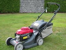 Gebrauchte                                                  Benzinrasenmäher:                         Honda - Benzinrasenmäher HRX 426 CSD  (gebraucht)