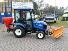 Kommunaltraktoren:                         New Holland - Boomer 25 Winterpaket !!