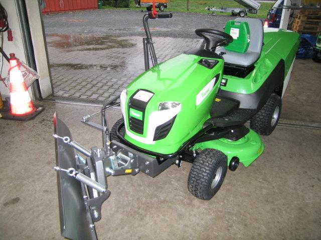 Angebote                                          Gartentraktoren:                     Viking - Bulldog MT 5097Z mit Winteraustattung (Aktionsangebot!)