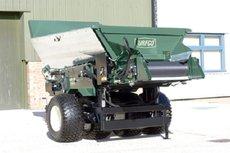 Golfplatztechnik: Turfco - CR-10 gezogener Besander