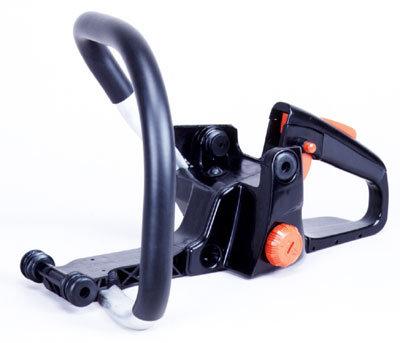 Stressfrei arbeitet es sich dank dem durchdacht geplanten und konsequent umgesetzten Anti-Vibrationssystem. Schwingungen welche zwangsläufig durch den Motor entstehen, werden dadurch von der Hand des Bedieners ferngehalten.