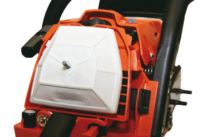 Hochleistungsluftfilter -  Der vertikal eingebaute Filter hat eine selbstreinigende Wirkung. Die Lebensdauer des Motors wird erhöht. Eine gesonderte Luftfilterabdeckung ermöglicht eine leichte Wartung des Luftfilters und der Zündkerze.